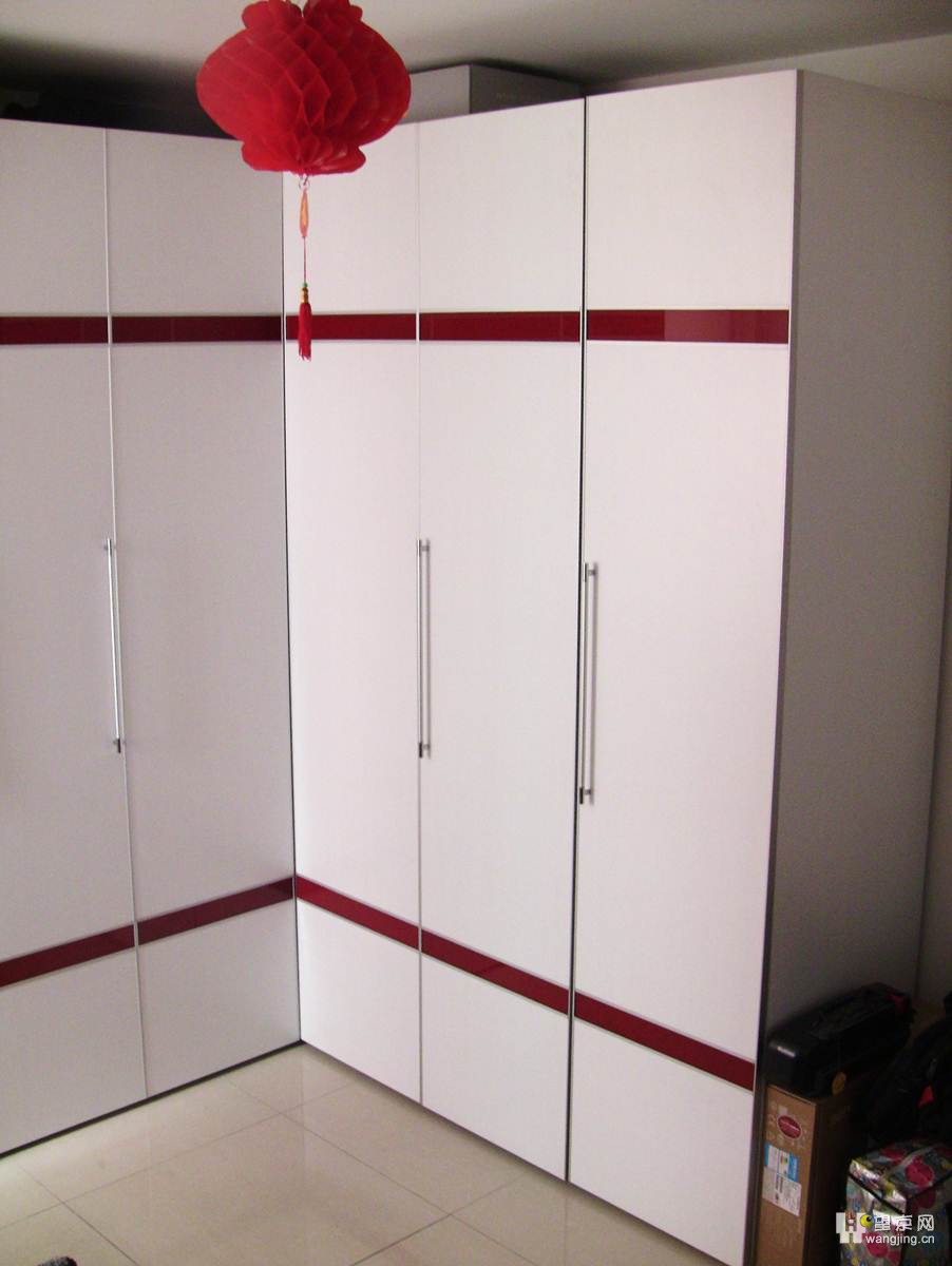 两隔衣柜内部结构图